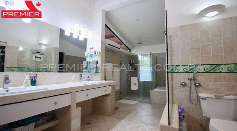 F2004-242 - 45 panama real estate