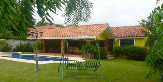 LOVELY HOUSE IN EQUESTRIAN CLUB