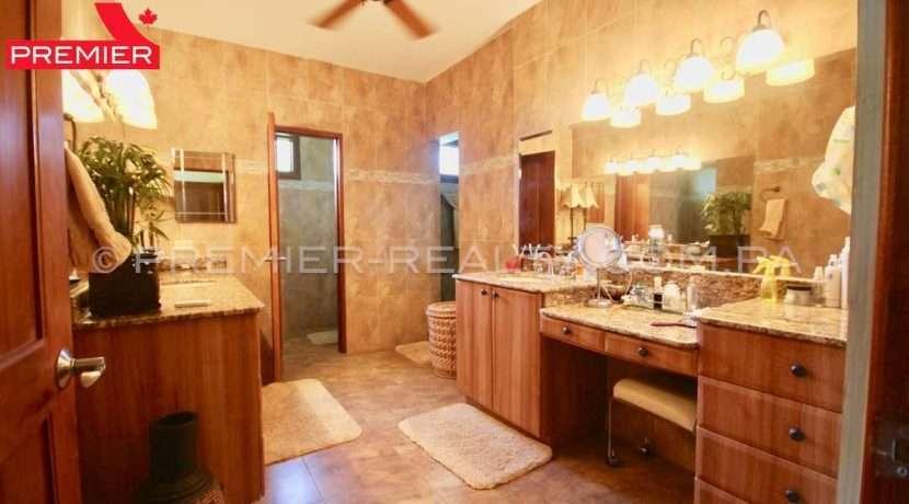 PRP-C2011-271 - 39-Panama Real Estate
