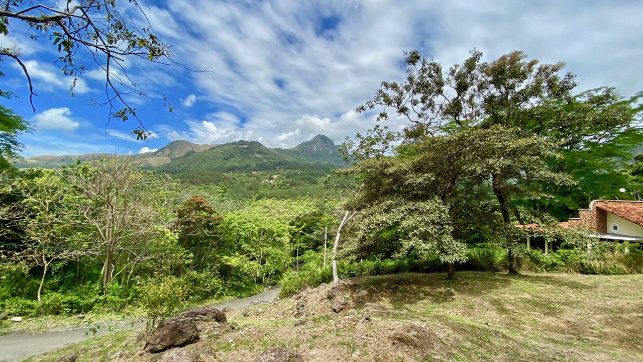 MOUNTAIN BUILDABLE LAND WITH PICACHO VIEW