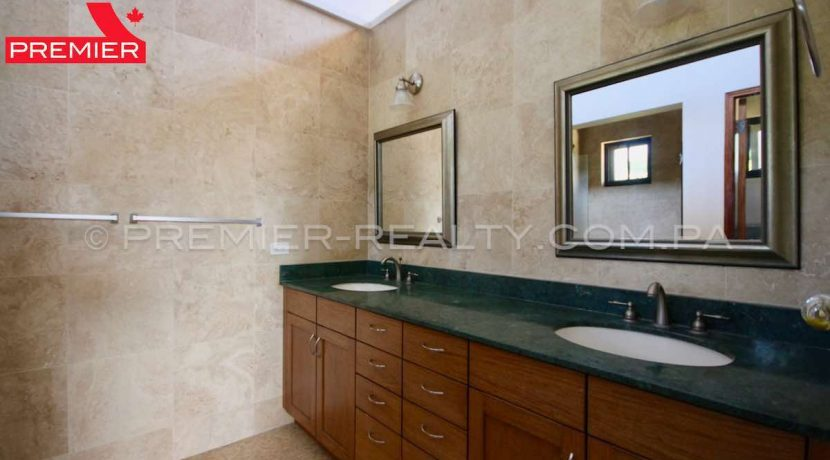 PRP-C2107-201 - 40-Panama Real Estate